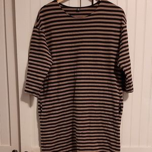Tunic style dress with ***pockets***